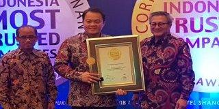 """MTF MERAIH Predikat """"Trusted Company""""  dalam GCG Award 2017"""