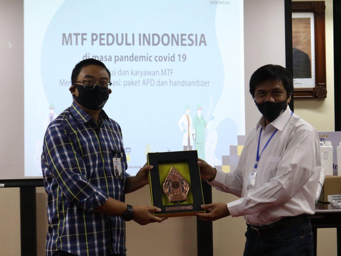 Mandiri Tunas Finance Salurkan 11.000 Paket Sembako di Seluruh Indonesia